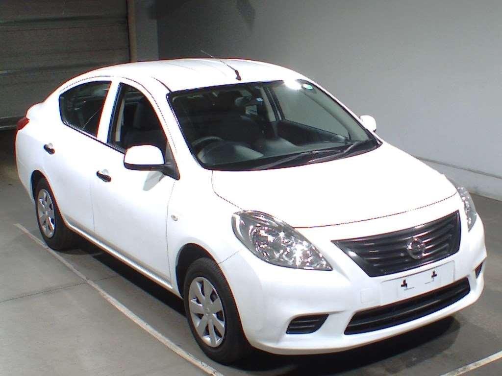 Nissan Latio I (N17) 2012 - 2014 Sedan #4