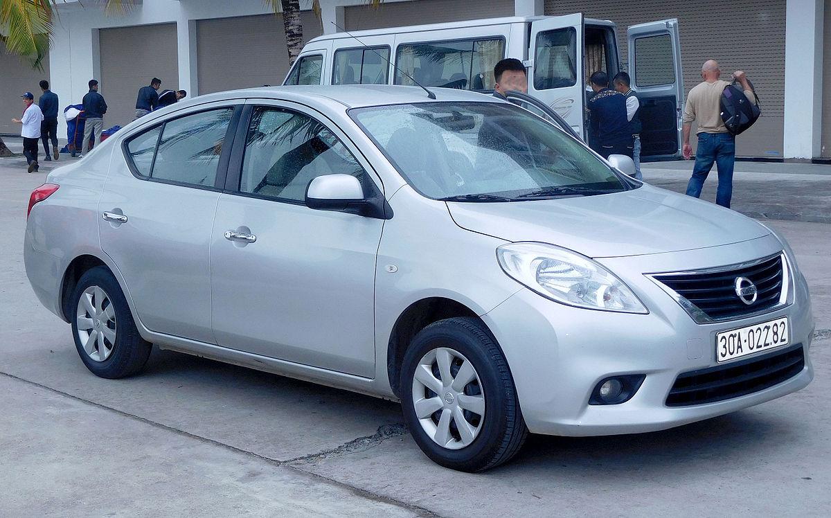 Nissan Latio I (N17) 2012 - 2014 Sedan #6