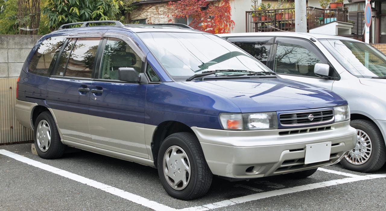 Nissan Prairie I (M10) 1982 - 1988 Compact MPV #1