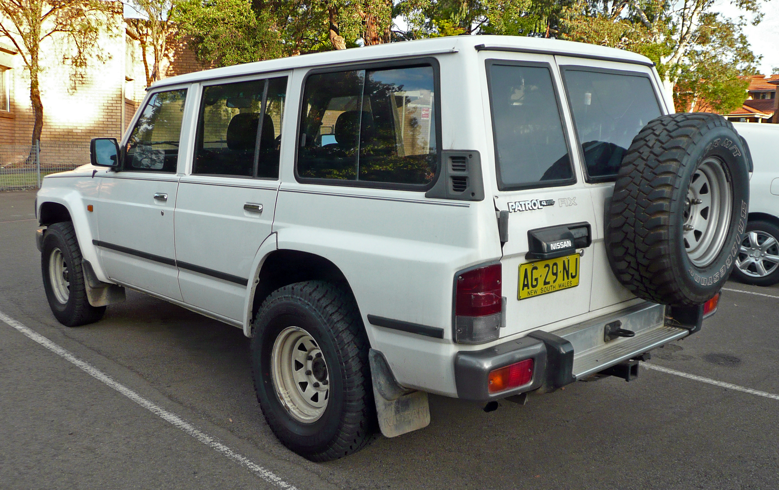 Nissan Safari IV (Y60) 1989 - 1997 SUV 5 door #5