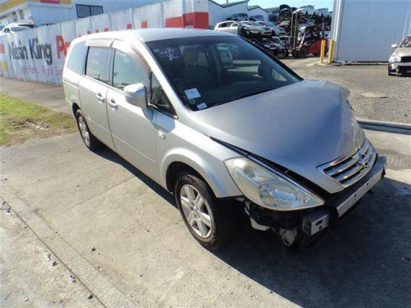 Nissan Presage II 2003 - 2009 Minivan #4