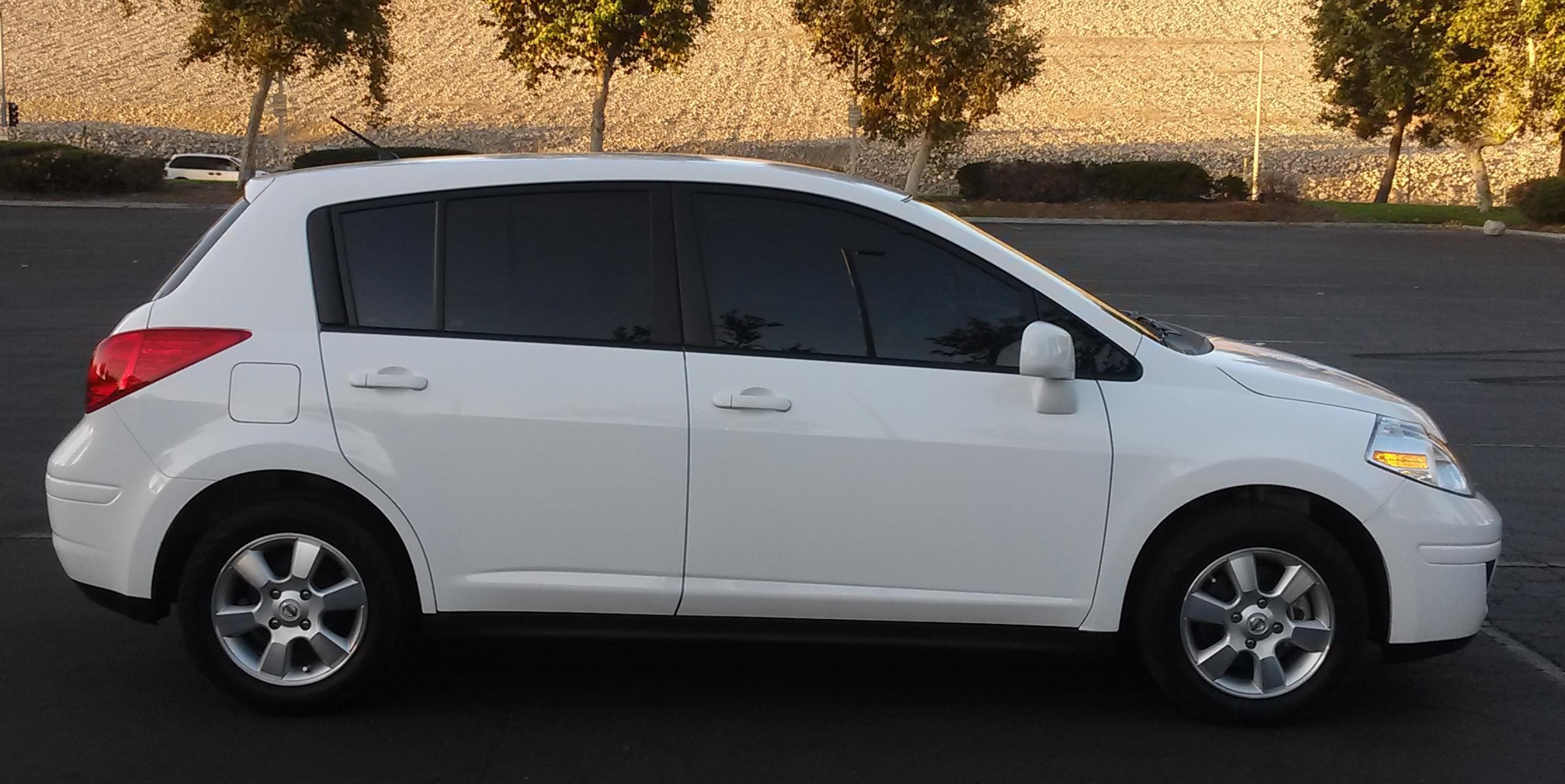 Nissan Versa I 2006 - 2012 Hatchback 5 door #7