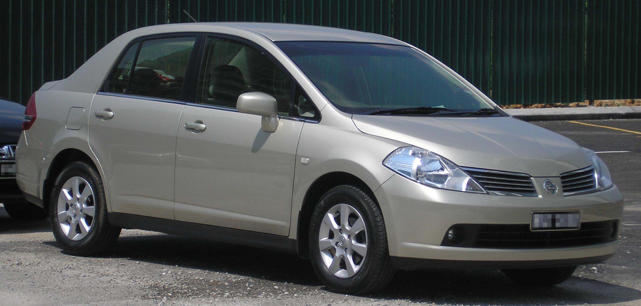 Nissan Tiida I 2004 - 2012 Sedan #2