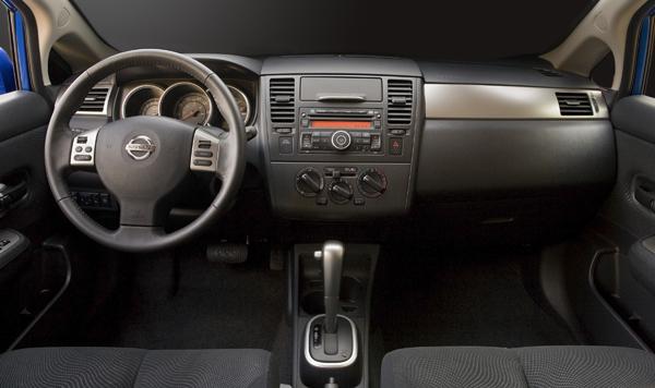 Nissan Tiida I 2004 - 2012 Sedan #6