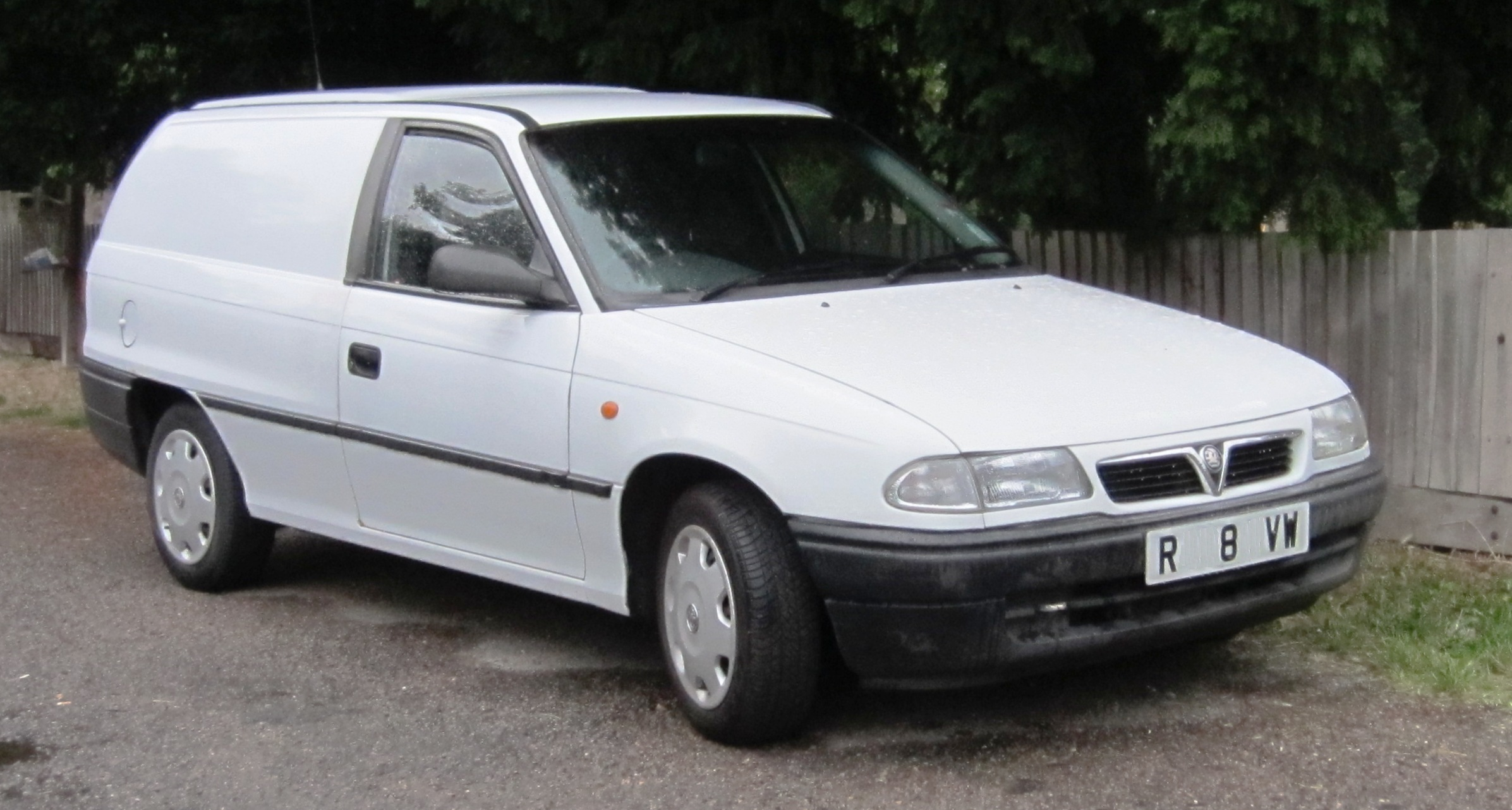 vauxhall astra f 1991 2002 hatchback 5 door outstanding cars rh carsot com Piese Auto Opel Astra F Astra G