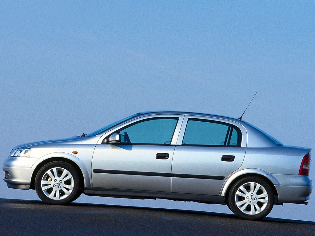 opel astra g 1998 2004 sedan outstanding cars. Black Bedroom Furniture Sets. Home Design Ideas