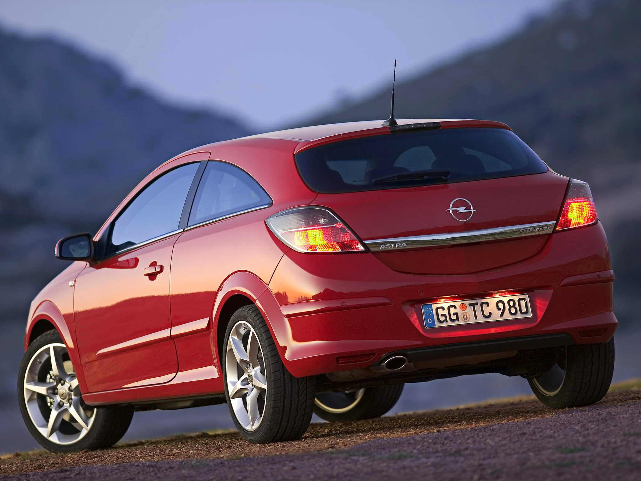 Opel Astra H 2004 - 2006 Hatchback 3 door #3 & Opel Astra H 2004 - 2006 Hatchback 3 door :: OUTSTANDING CARS
