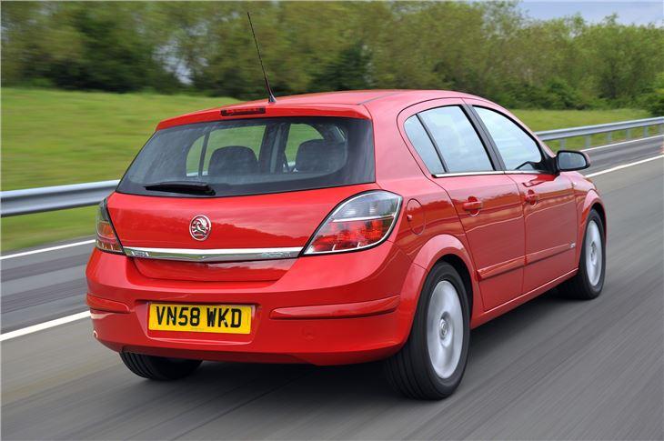 Vauxhall Astra H 2004 - 2010 Hatchback 5 door #7