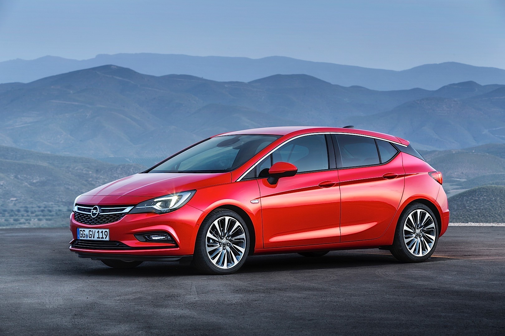 Opel Astra K 2015 - now Hatchback 5 door #6 & Opel Astra K 2015 - now Hatchback 5 door :: OUTSTANDING CARS