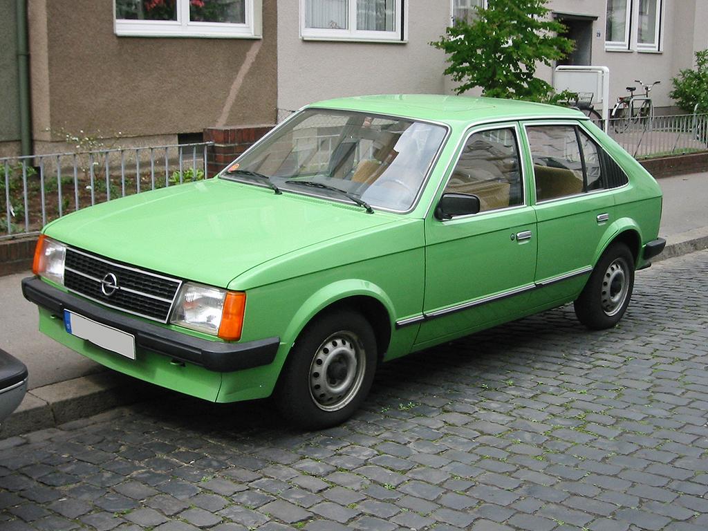 Opel Kadett D 1979 - 1984 Hatchback 3 door #2