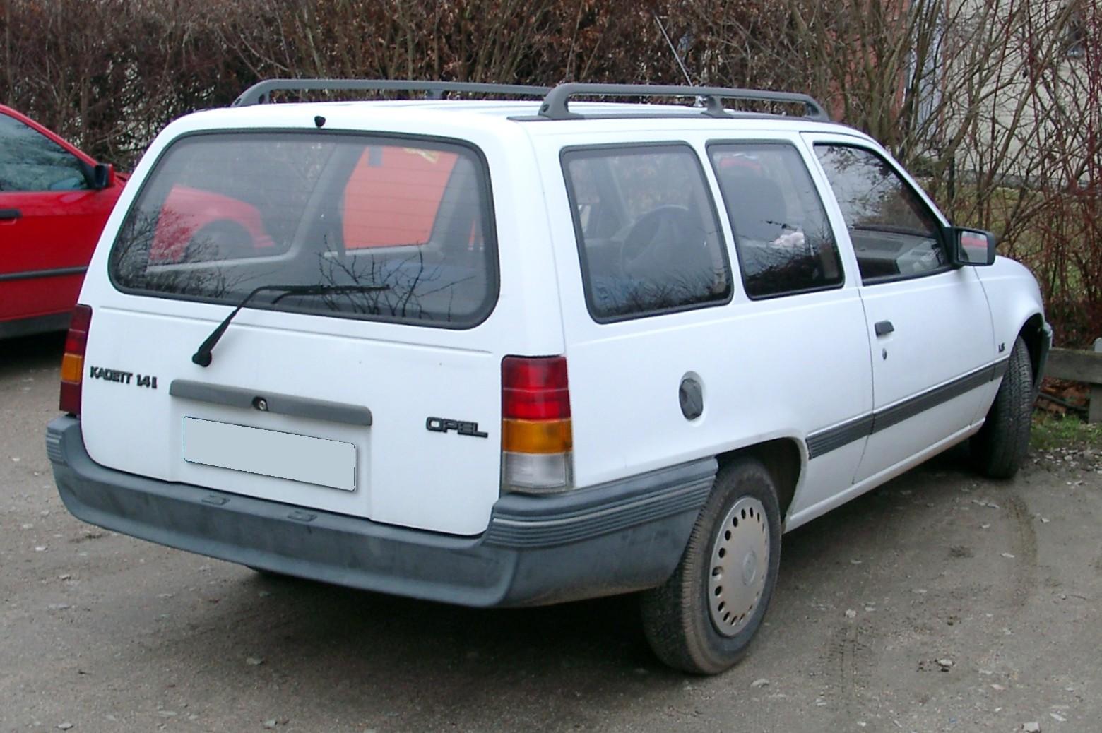 Vauxhall Astra E 1984 - 1991 Station wagon 5 door #1