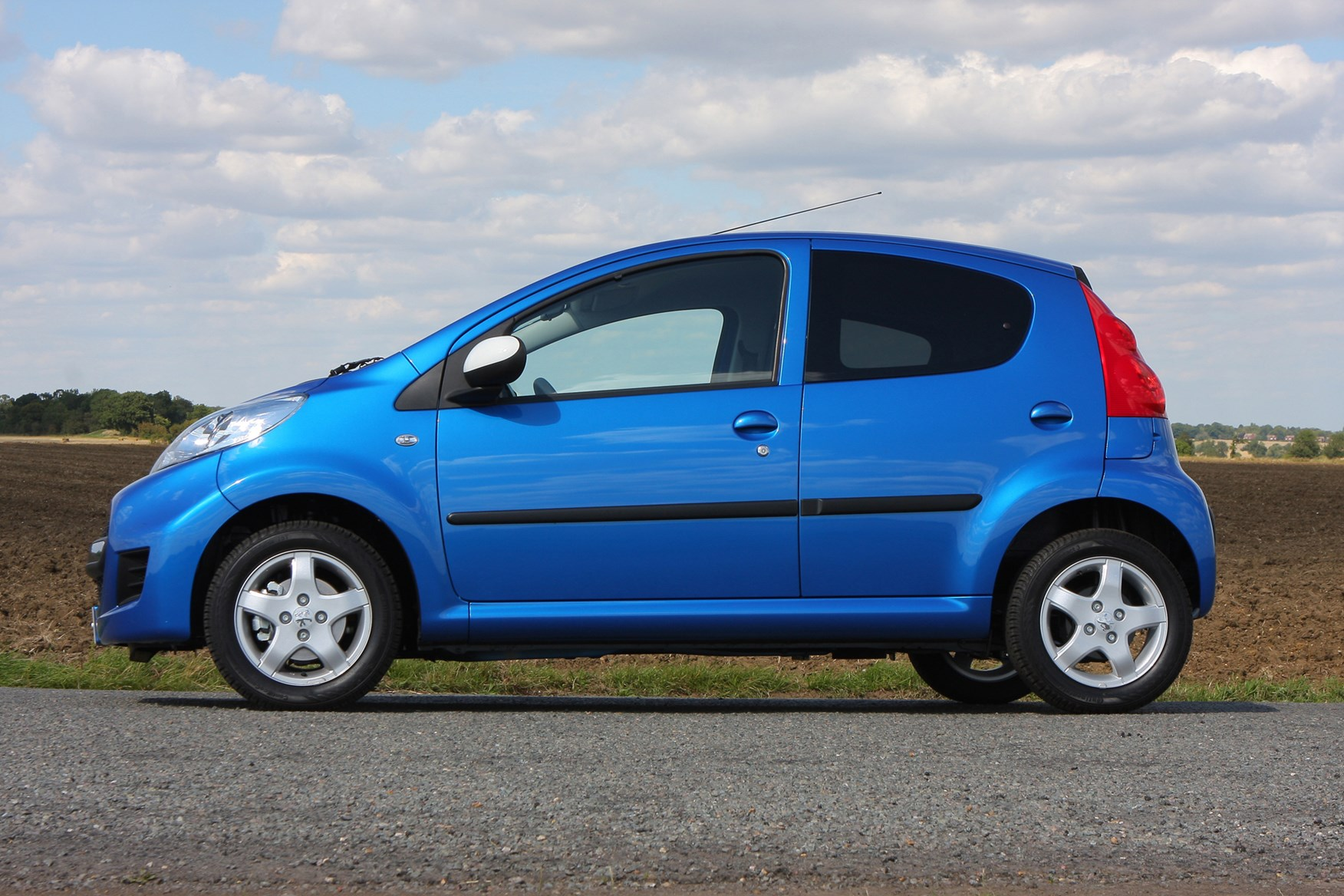 Peugeot 107 I Restyling 2009 - 2012 Hatchback 3 door #5