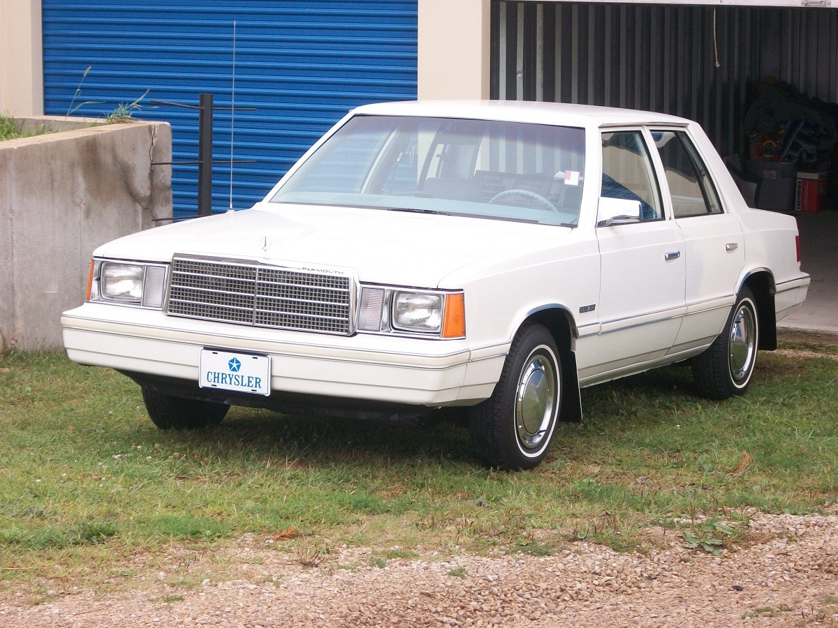 Plymouth Reliant I 1981 - 1989 Sedan 2 door #7 & Plymouth Reliant I 1981 - 1989 Sedan 2 door :: OUTSTANDING CARS