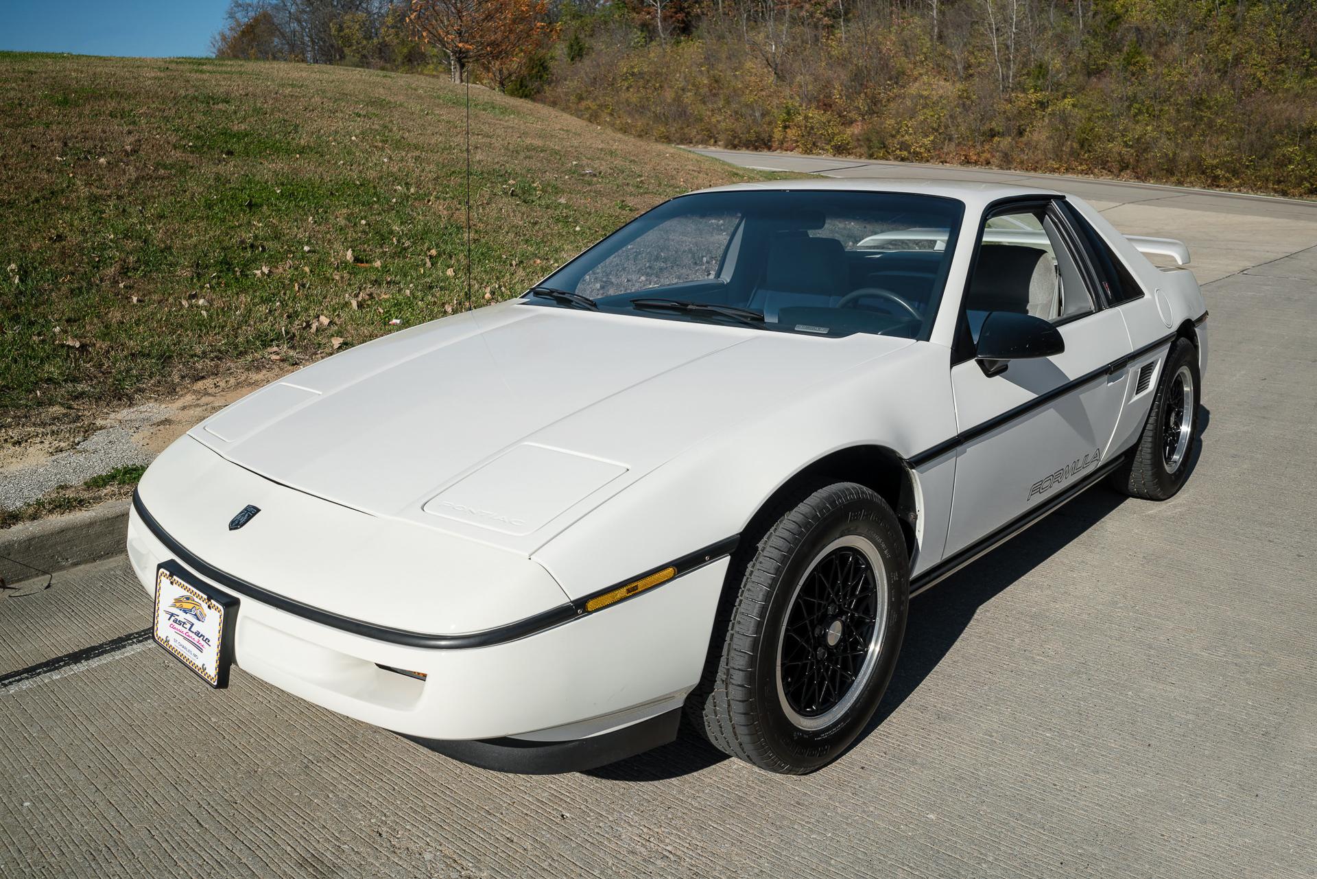 Pontiac Fiero 1984 1988 Hatchback 3 Door Outstanding Cars