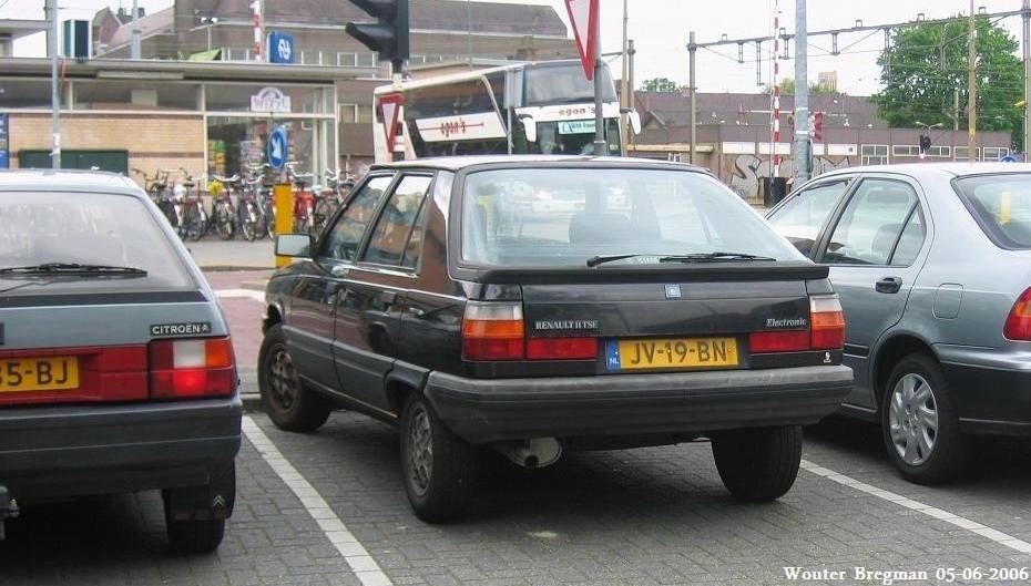 Renault 11 1983 - 1989 Hatchback 3 door #2