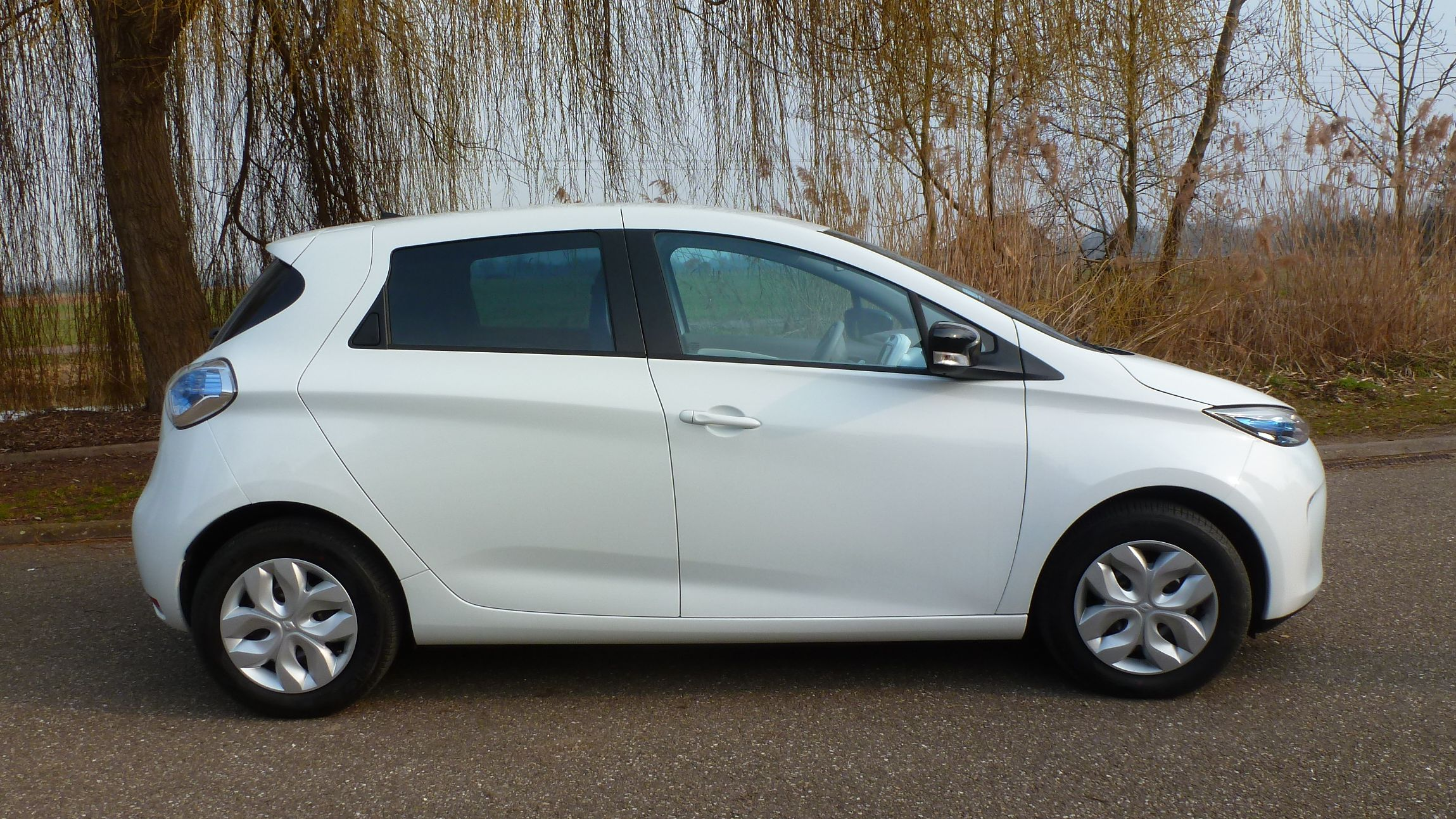 Renault ZOE 2012 - now Hatchback 5 door #8