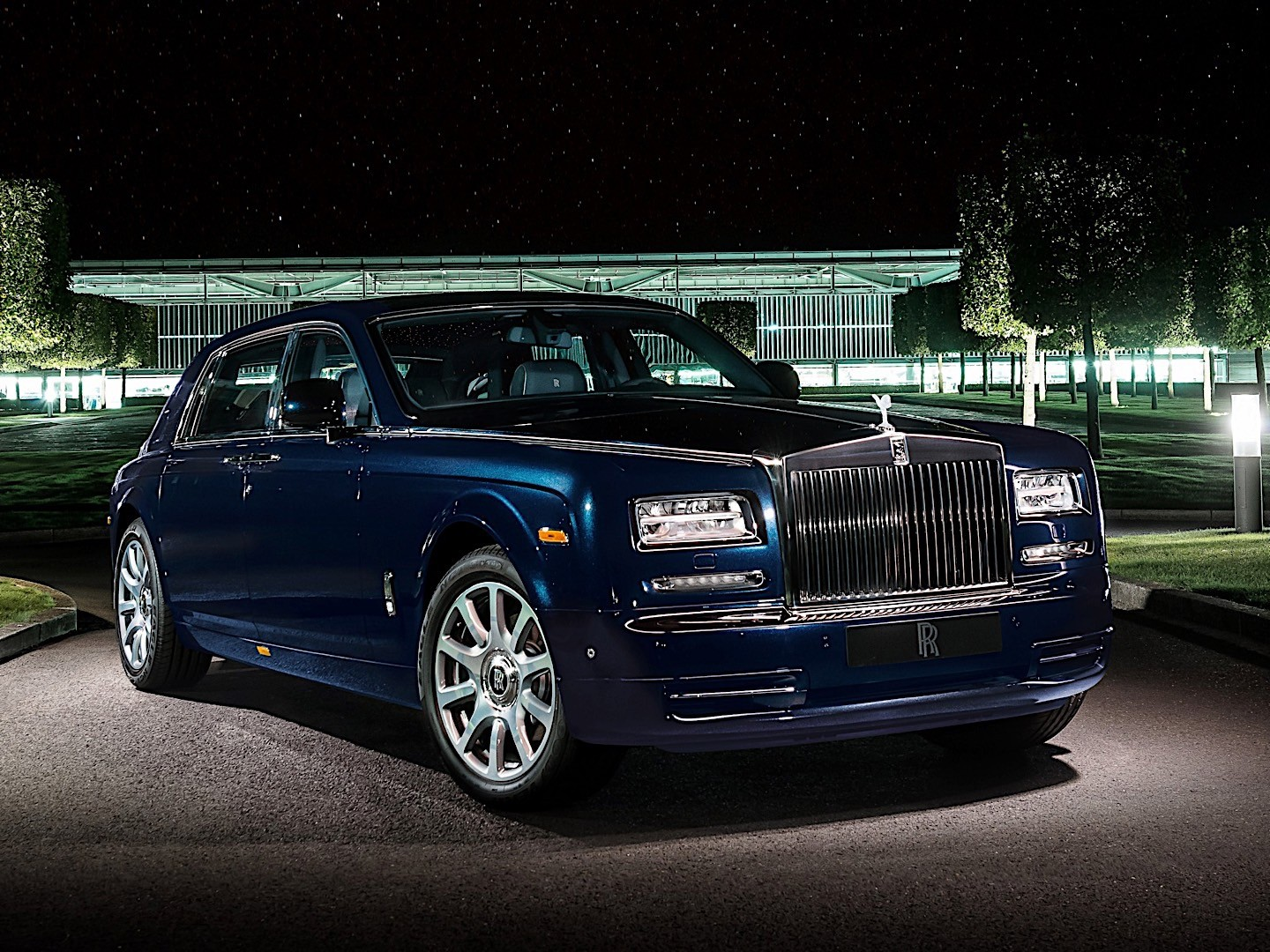 Rolls-Royce Phantom VII Restyling (Series II) 2012 - now Sedan #7