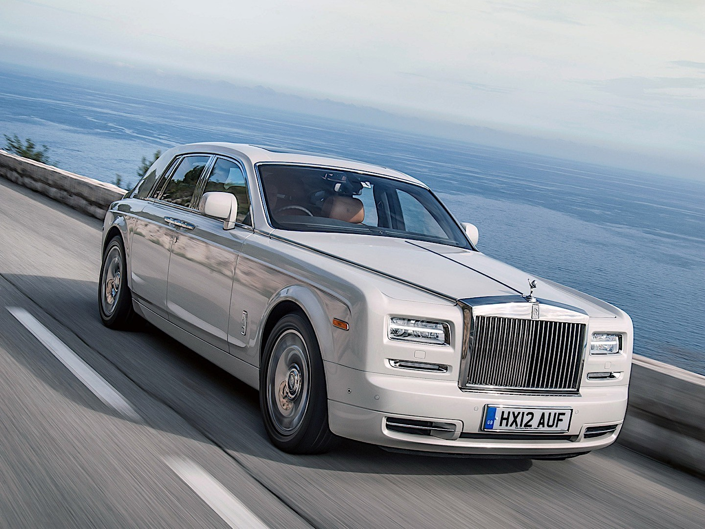 Rolls-Royce Phantom VII Restyling (Series II) 2012 - now Sedan #8