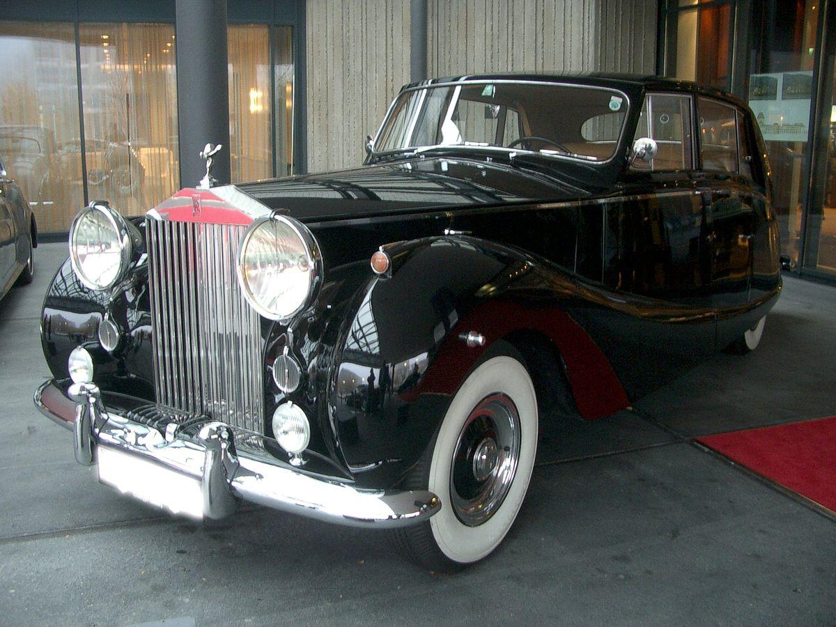 Rolls-Royce Silver Wraith 1946 - 1959 Sedan #8