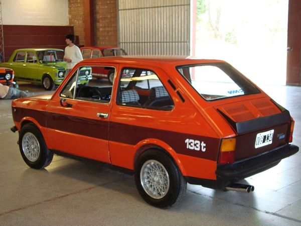 SEAT 133 1974 - 1979 Hatchback 3 door #2