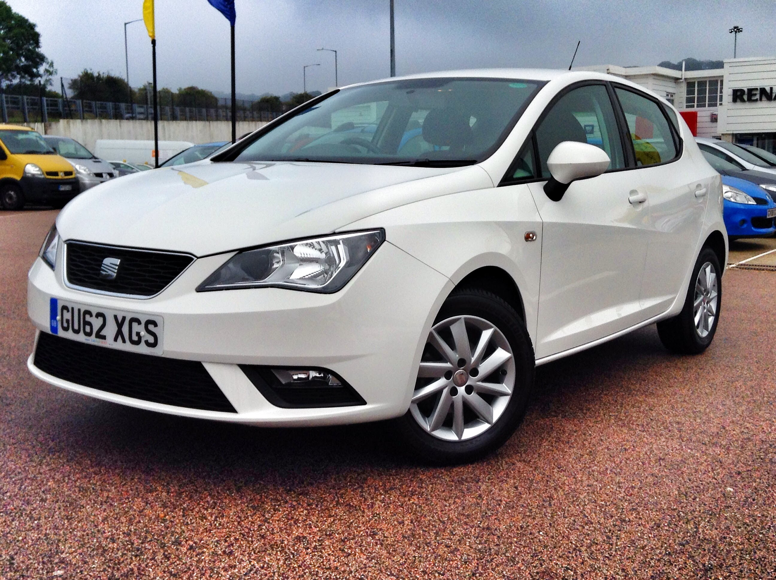 SEAT Ibiza IV Restyling 2012 - now Hatchback 3 door #3