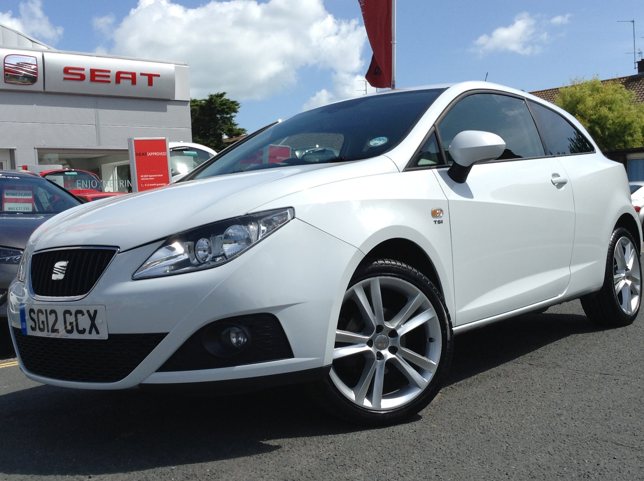 SEAT Ibiza IV Restyling 2012 - now Hatchback 3 door #5