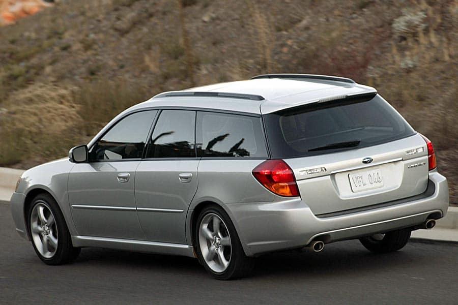 2005 subaru legacy wagon specs
