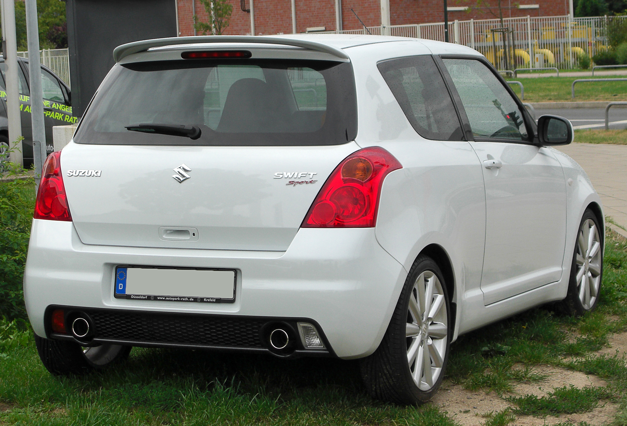 Suzuki Swift IV 2010 - 2013 Hatchback 3 door #5