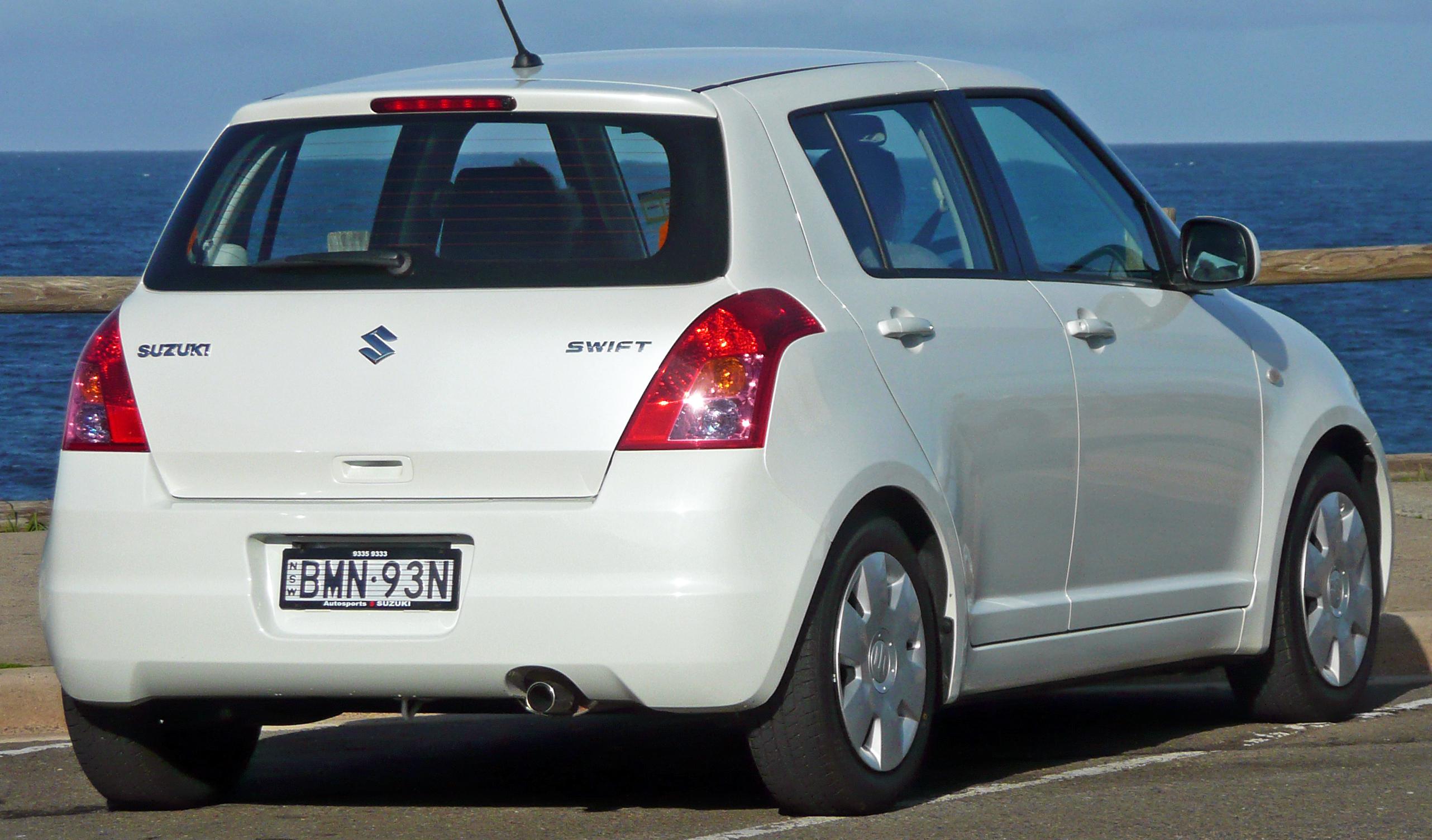 Suzuki Swift IV 2010 - 2013 Hatchback 3 door #7
