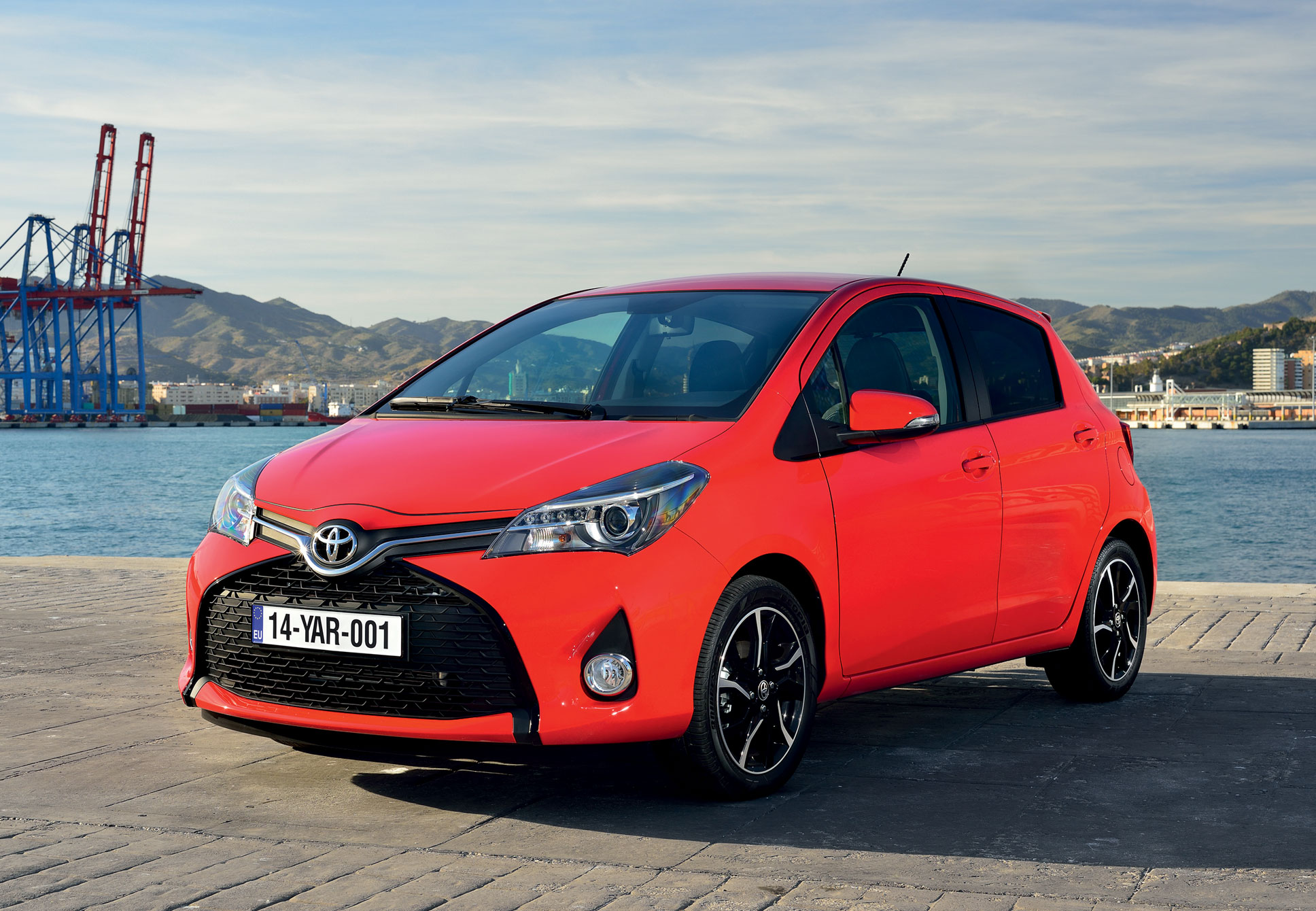 Toyota Yaris III Restyling 2014 - now Hatchback 3 door #4