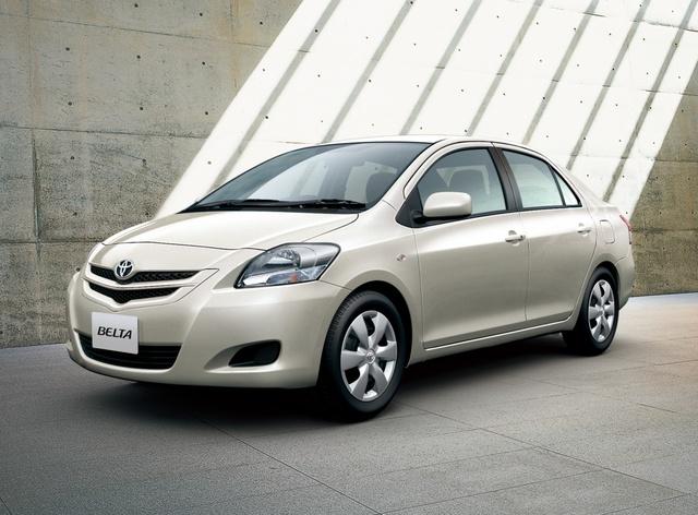 Toyota Belta 2005 - 2012 Sedan #1