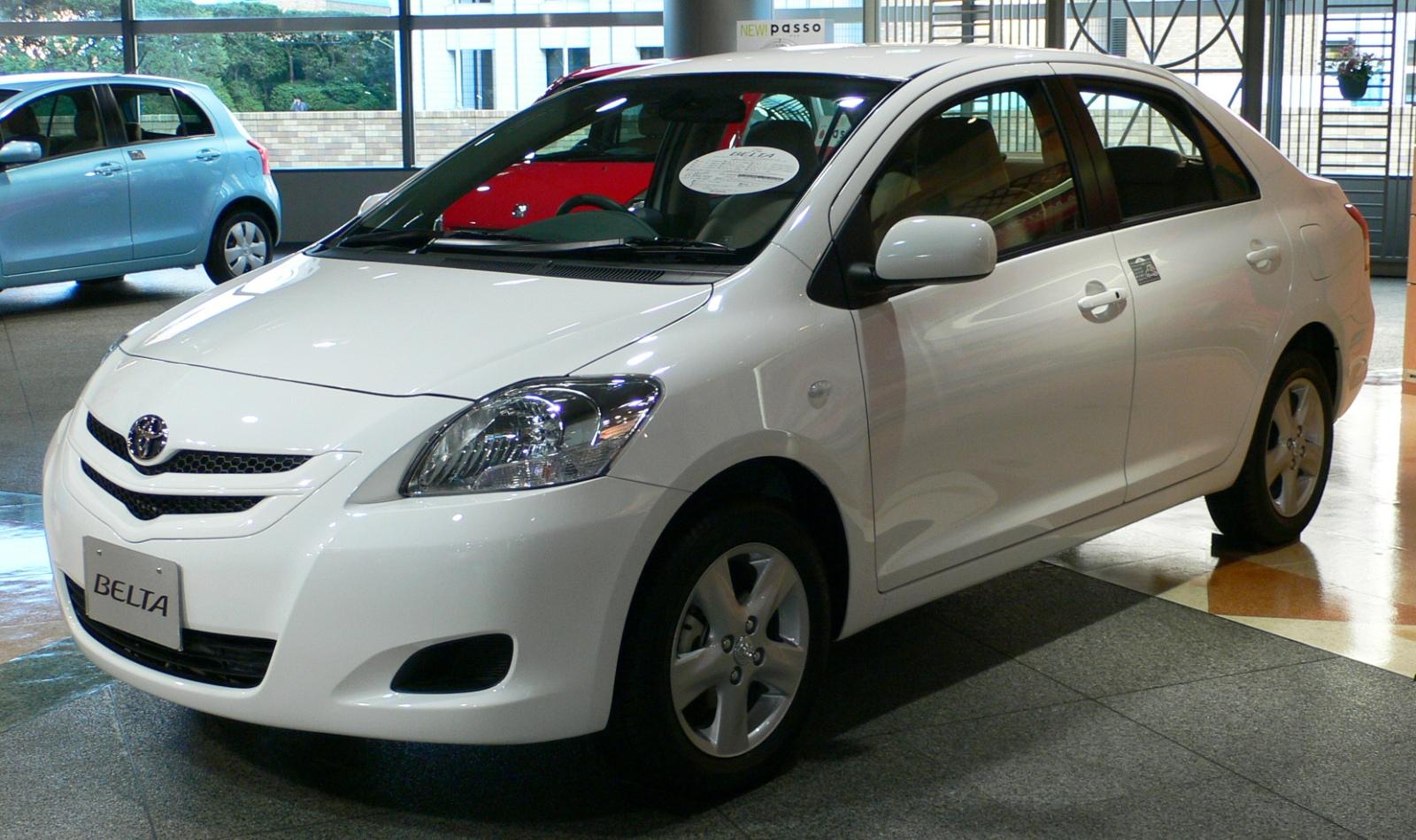 Toyota Belta 2005 - 2012 Sedan #4