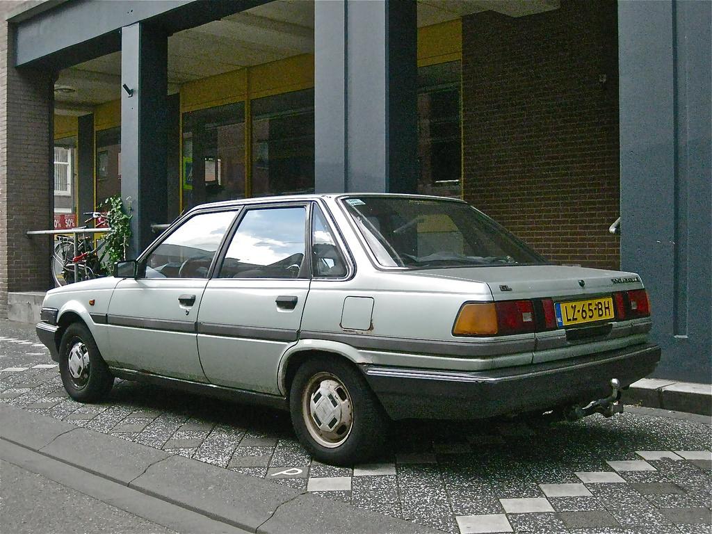 Toyota Carina IV (T150) 1983 - 1988 Sedan #4