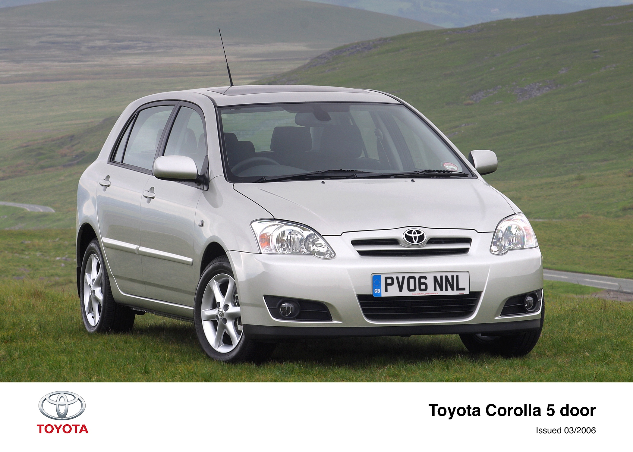 Toyota Corolla IX (E120, E130) Restyling 2004 - 2007 Hatchback 5 door #2