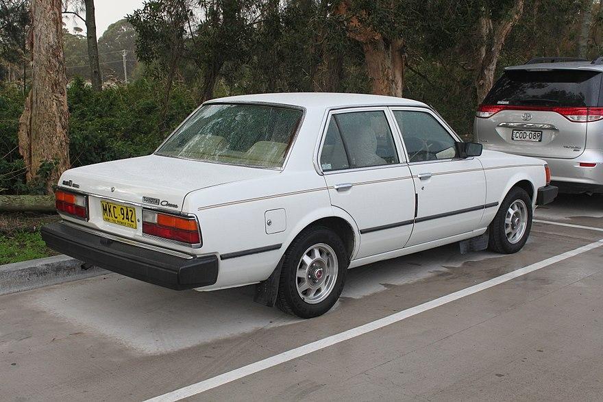 Toyota Corona VII (T140, T150) 1982 - 1988 Sedan #1