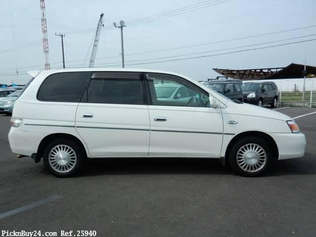 Toyota Gaia 1998 - 2004 Compact MPV #3
