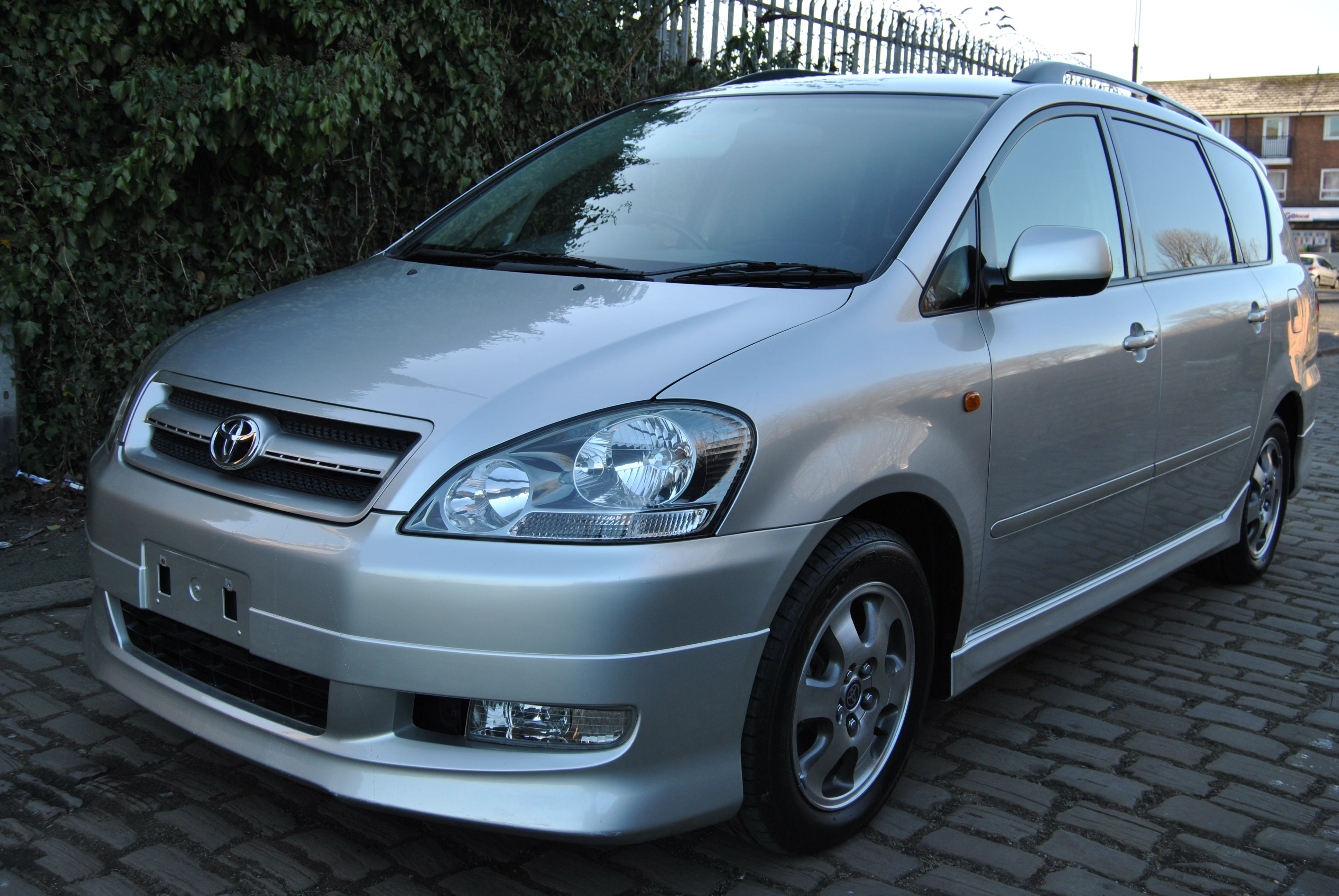 Toyota Ipsum I (M10) 1995 - 2001 Compact MPV #5