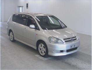 Toyota Ipsum I (M10) 1995 - 2001 Compact MPV #3