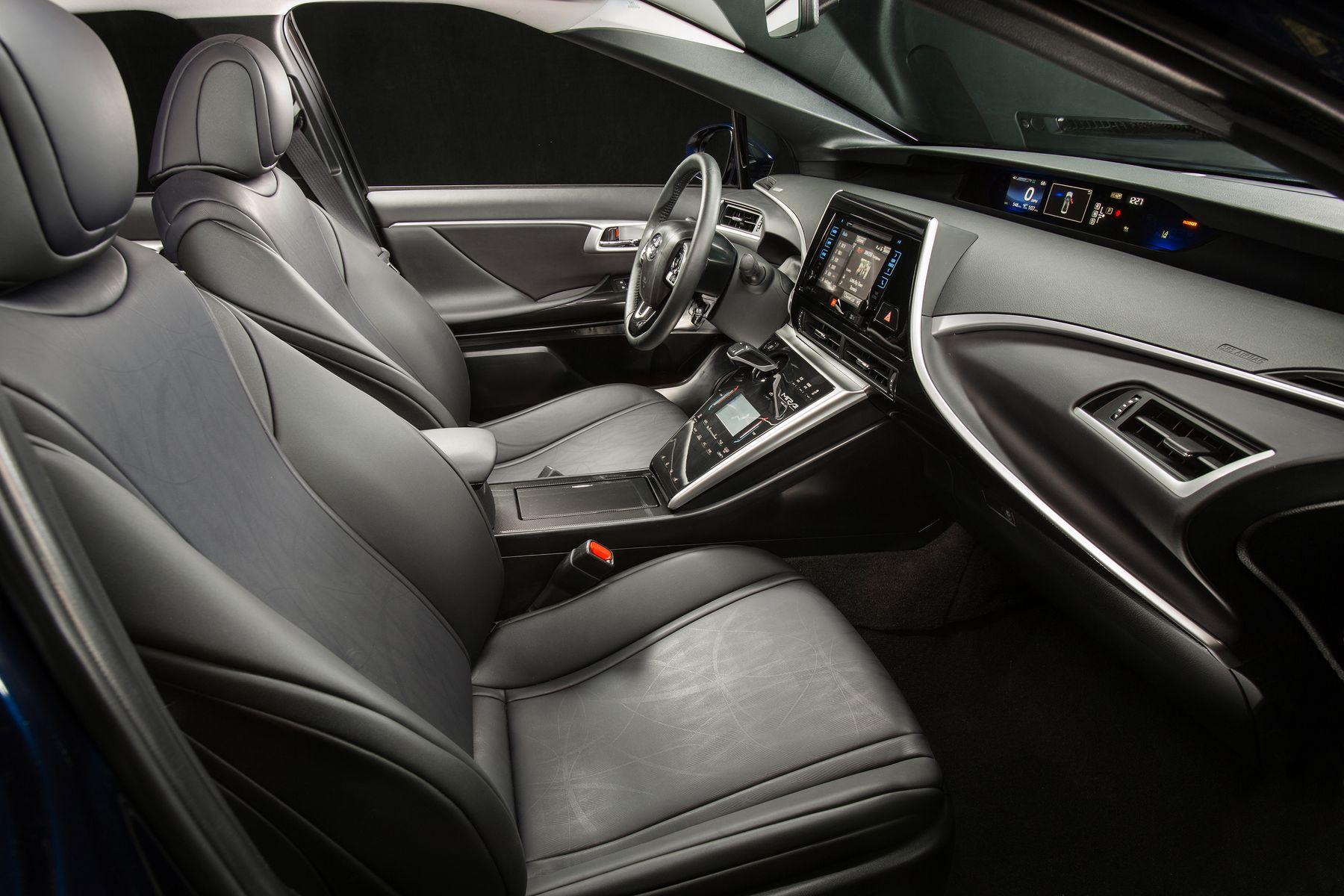 Toyota Mirai 2015 - now Sedan #8