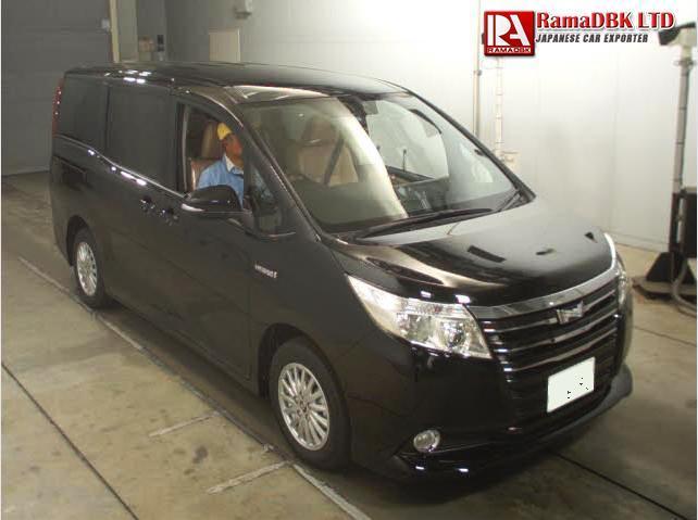 Toyota Noah III (R80) 2014 - now Minivan #1