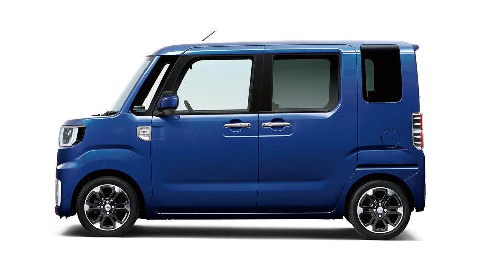 Toyota Pixis Mega 2015 - now Microvan #2