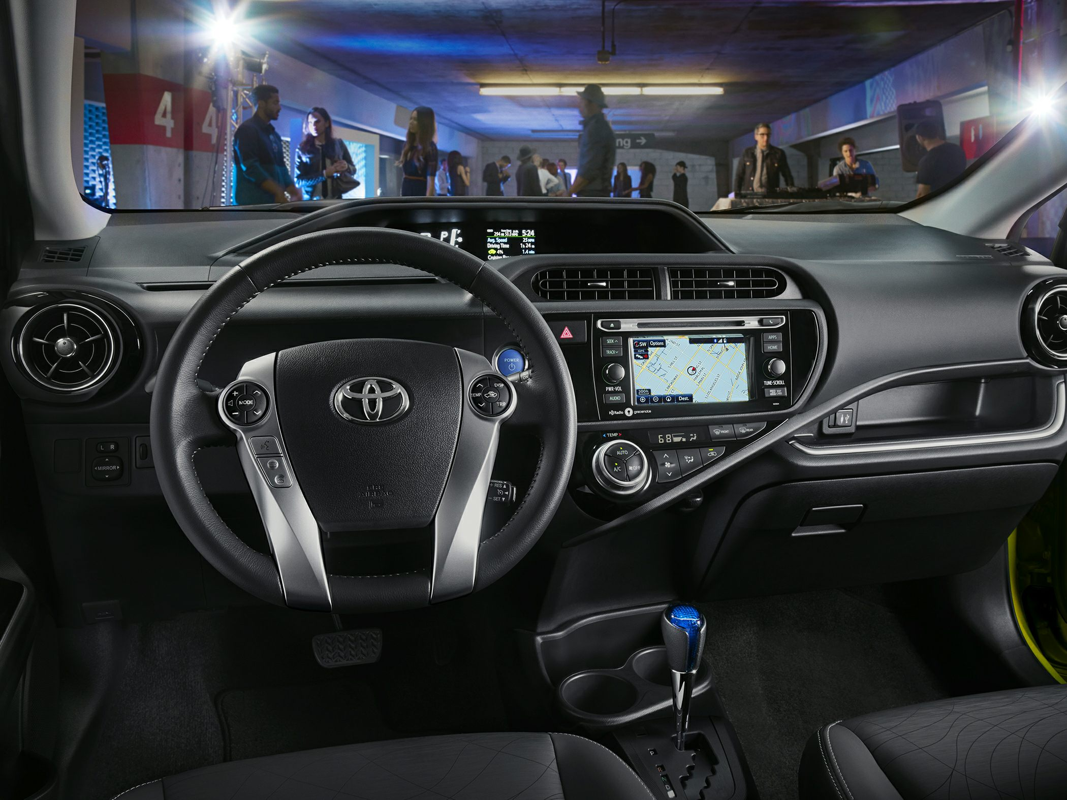 Toyota Prius c I 2011 - 2015 Hatchback 5 door #4