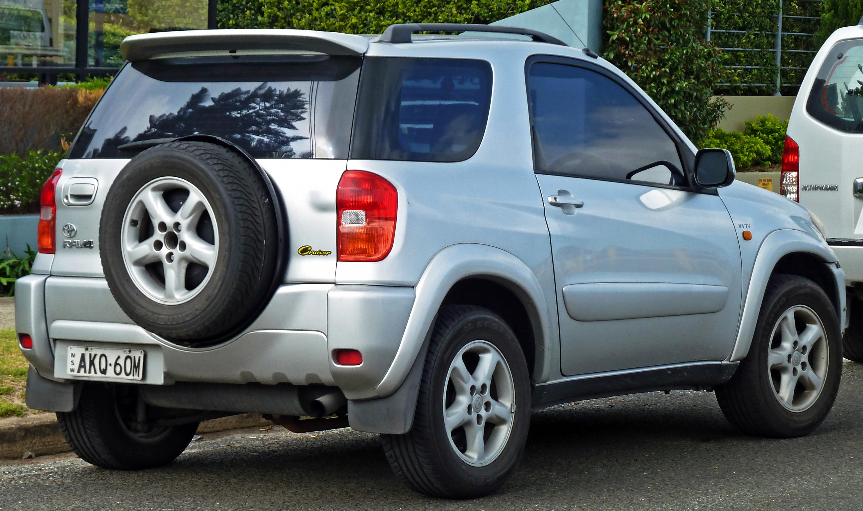 Toyota RAV 4 II (XA20) 2000 - 2003 SUV 3 door #4