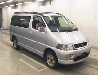 Toyota Regius 1999 - 2002 Minivan #4