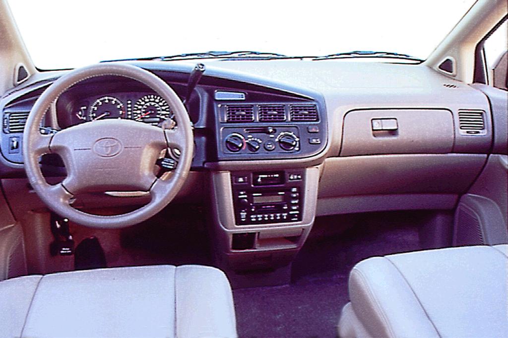 Toyota Sienna I 1997 - 2003 Minivan #4