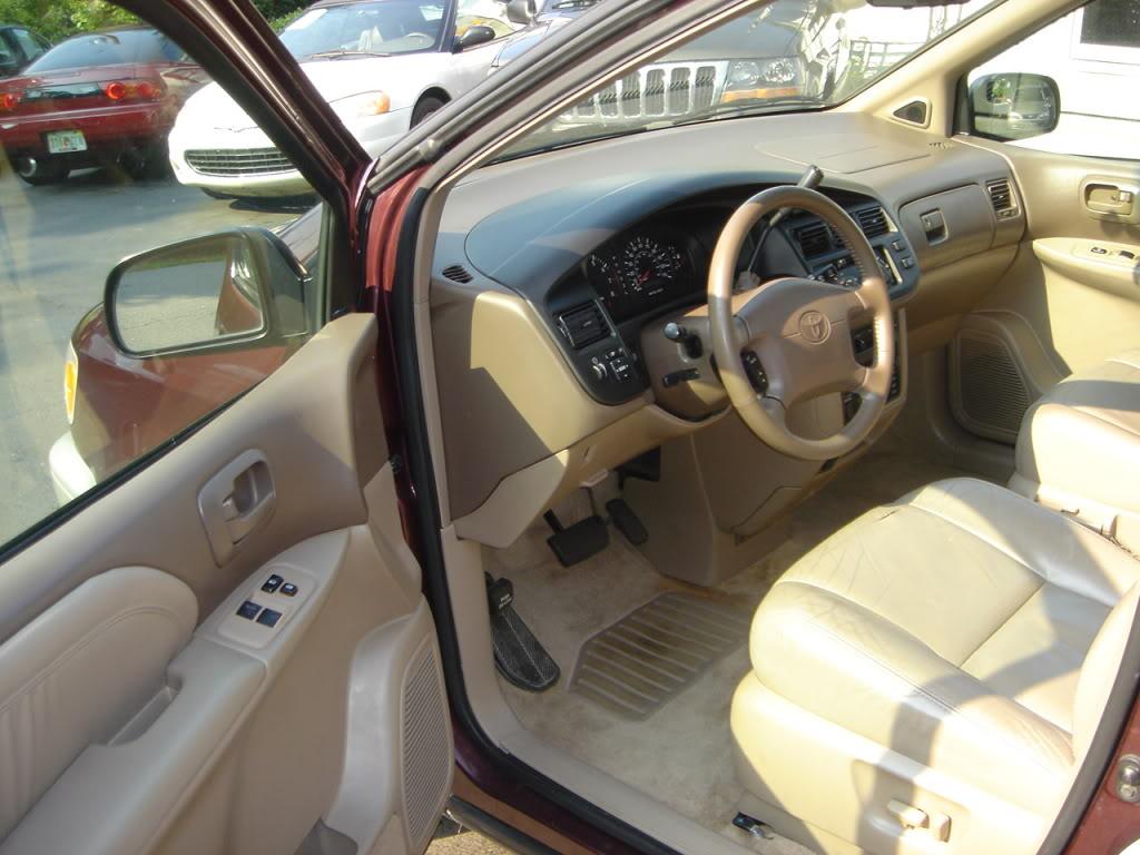 Toyota Sienna I 1997 - 2003 Minivan #7