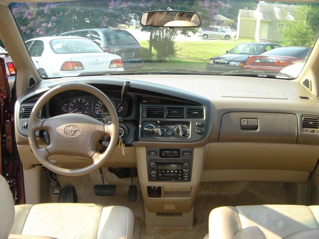 Toyota Sienna I 1997 - 2003 Minivan #8