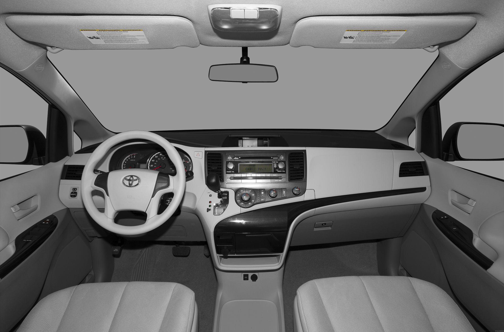 Toyota Sienna III 2010 - now Minivan #6