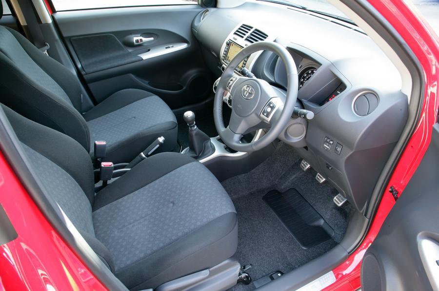 Toyota Urban Cruiser 2009 - 2014 Hatchback 5 door #7