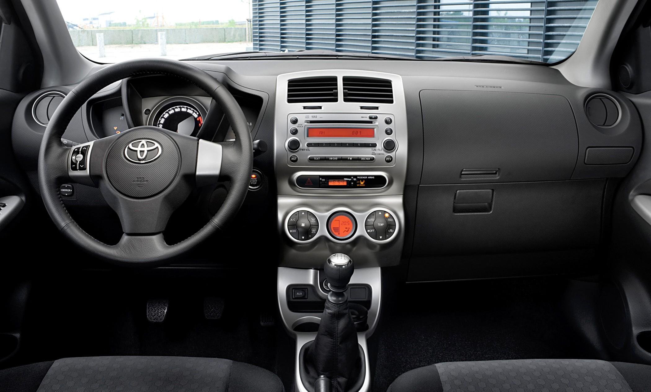 Toyota Urban Cruiser 2009 - 2014 Hatchback 5 door #4